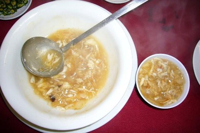 カニ肉とフカヒレがたっぷり入ったスープ。。。はあ~食べたい!