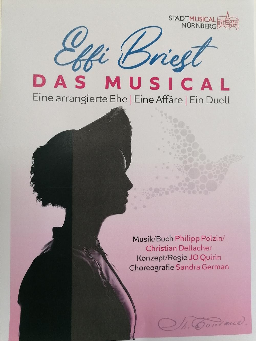 Wir legen los! Eine neue Uraufführung wartet. Ab November 2021. Informationen, Tickets und News unter www.stadtmusical.de