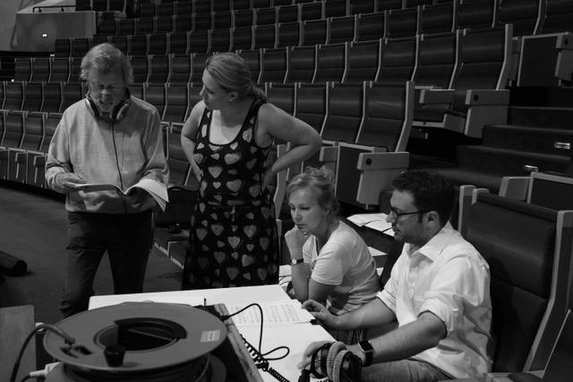 CD Aufnahme Georges Schmitt (Prof. Dr. Wolfgang Grandjean, Michèle Kerschenmeyer, Evelyn Czesla und Produzent Marco Battistella ) - Bild: Maurice Barnich