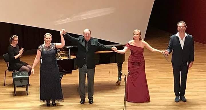 """Uraufführung """"À Vianden"""" Von Marco Pütz vom 9.10. 2017 in der Philharmonie in Luxemburg. (Elisabeth Frenay, Michèle Kerschenmeyer, Marco Pütz, Evelyn Czesla und Nico Wouterse)"""