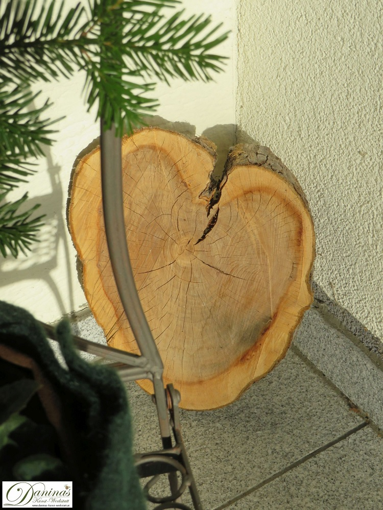 Winterdeko Ideen für Terrasse: Holzherz