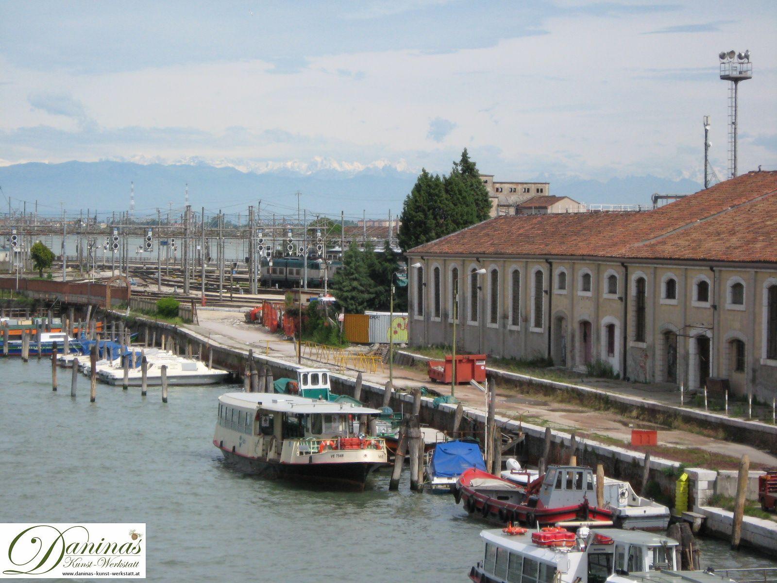 Venedig: Eisenbahnbrücke über die Lagune