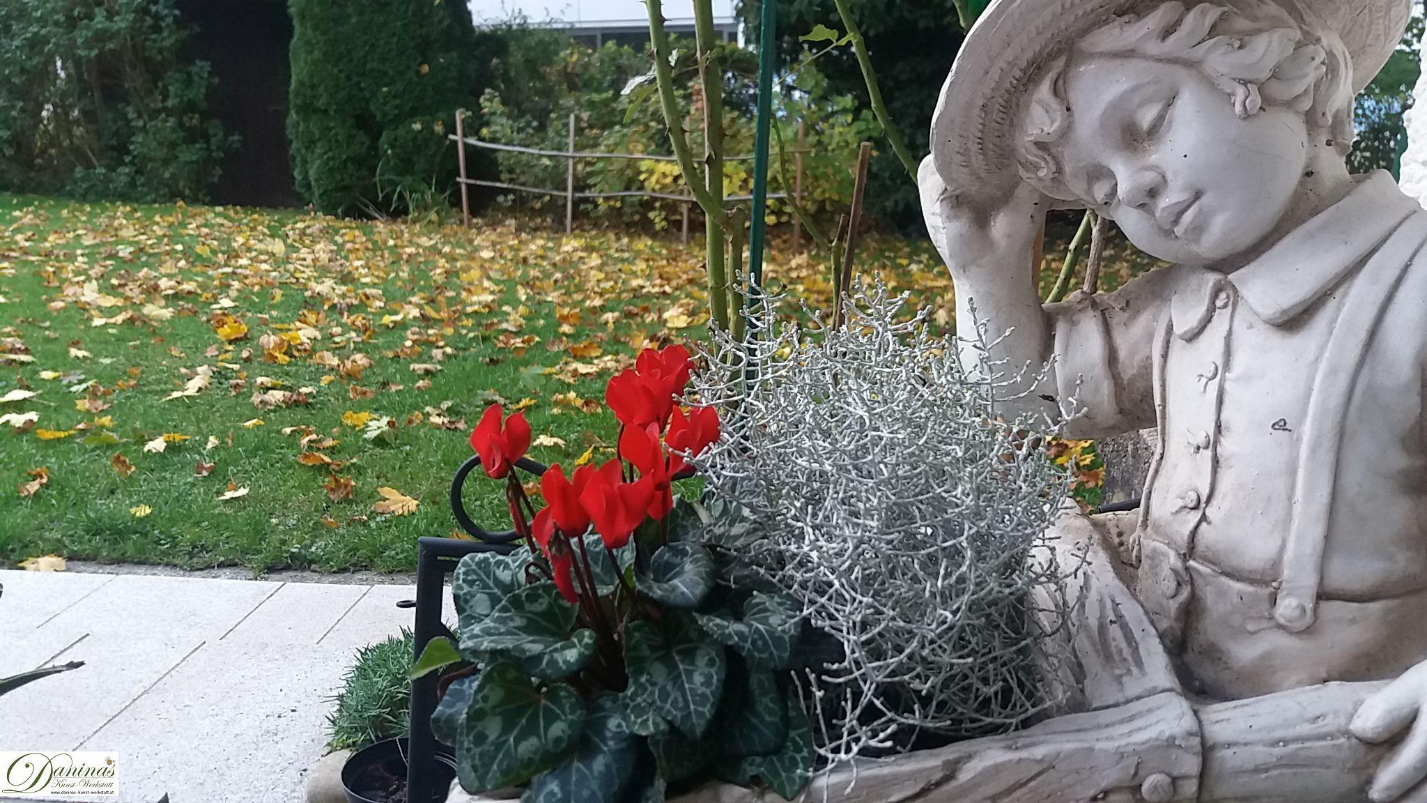 Herbst von seiner schönsten Seite: Warme Farben, bunte Blätter und Blüten