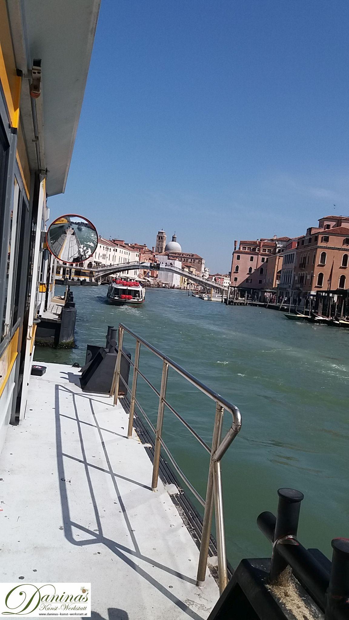 Venedig Vaporetto-Haltestelle (Wasserbus)