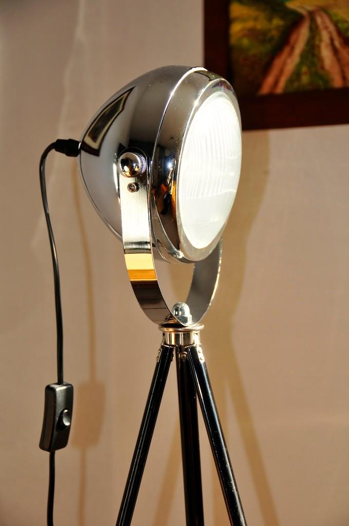 tripod lampe silber onkel edison lampen design upcycling. Black Bedroom Furniture Sets. Home Design Ideas