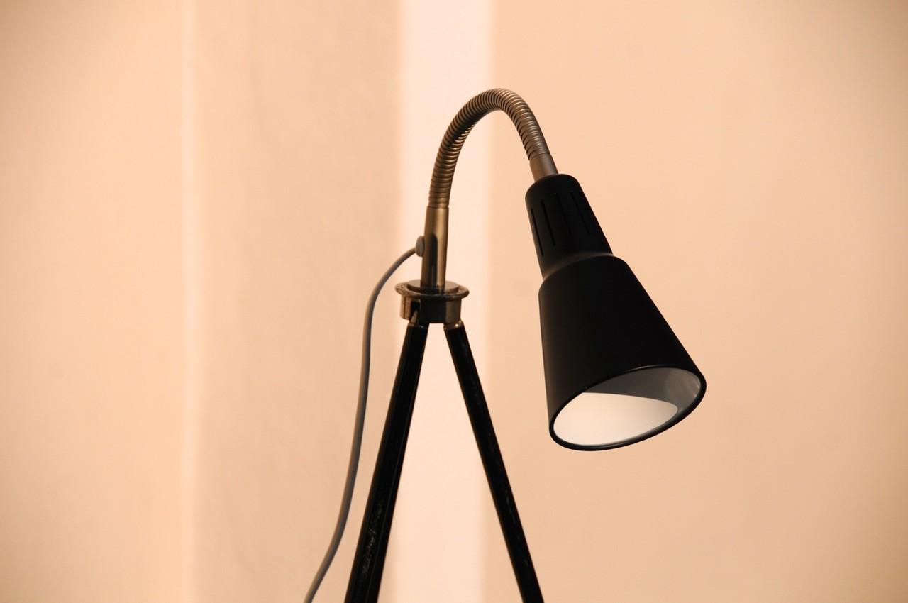 tripod lampe architekt schwarz onkel edison lampen design upcycling. Black Bedroom Furniture Sets. Home Design Ideas