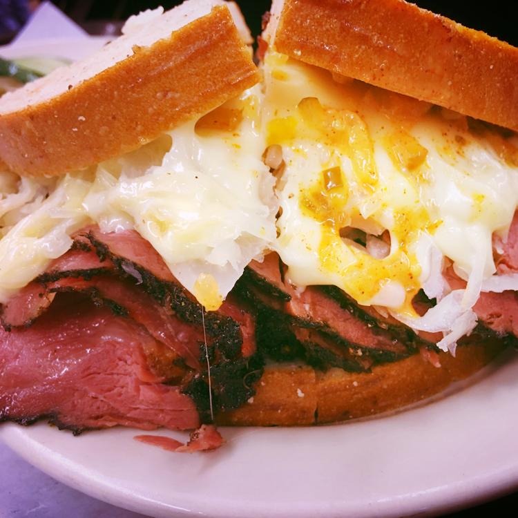 Pastrami Sandwich ´Reuben´mit Sauerkraut @Katz Delikatessen - New York, USA