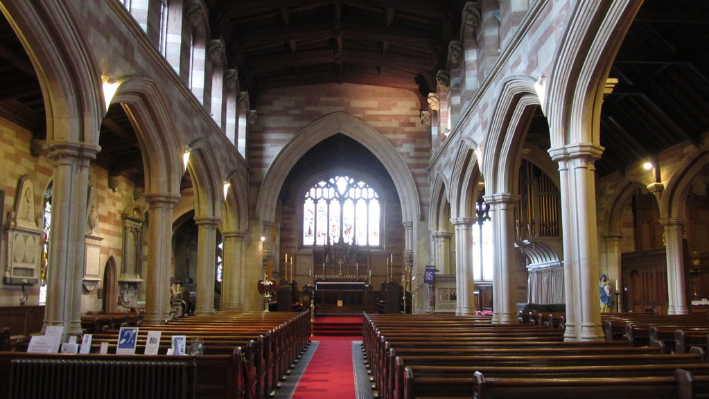 The nave looking east towards the chnacel