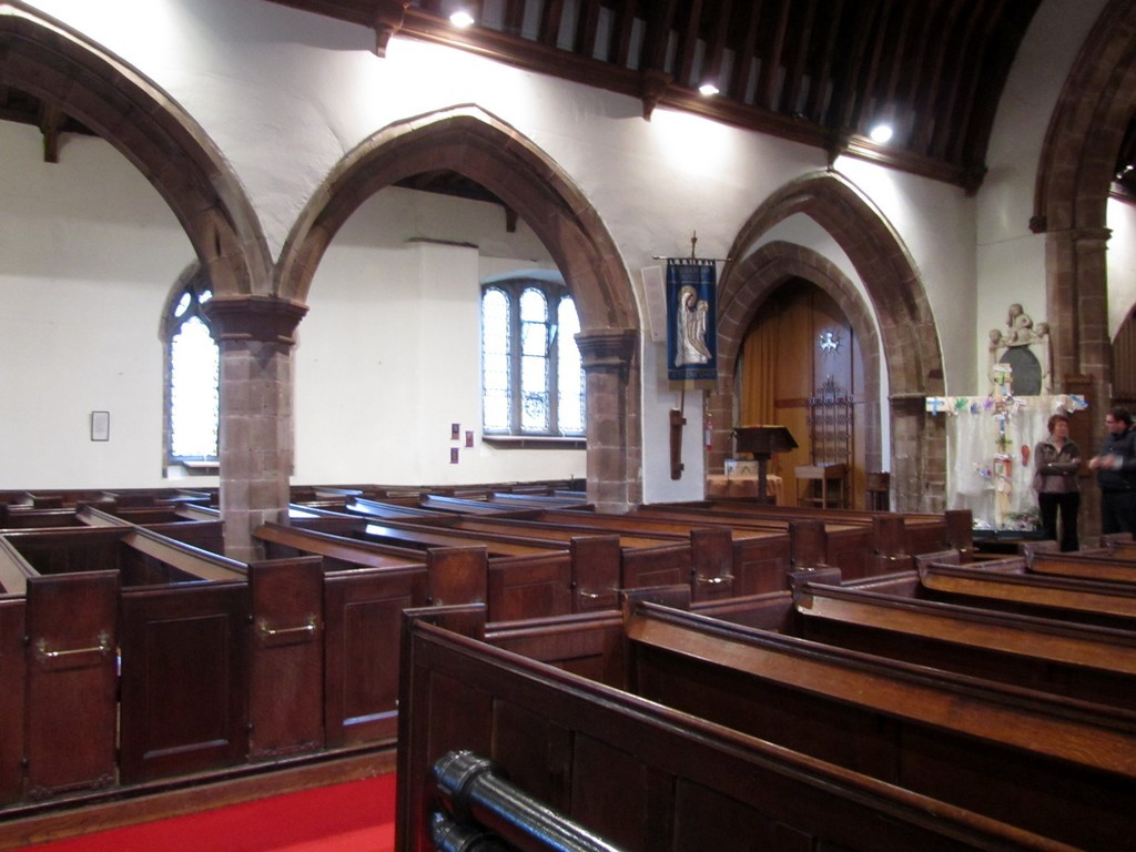 Looking north from the nave to the north aisle