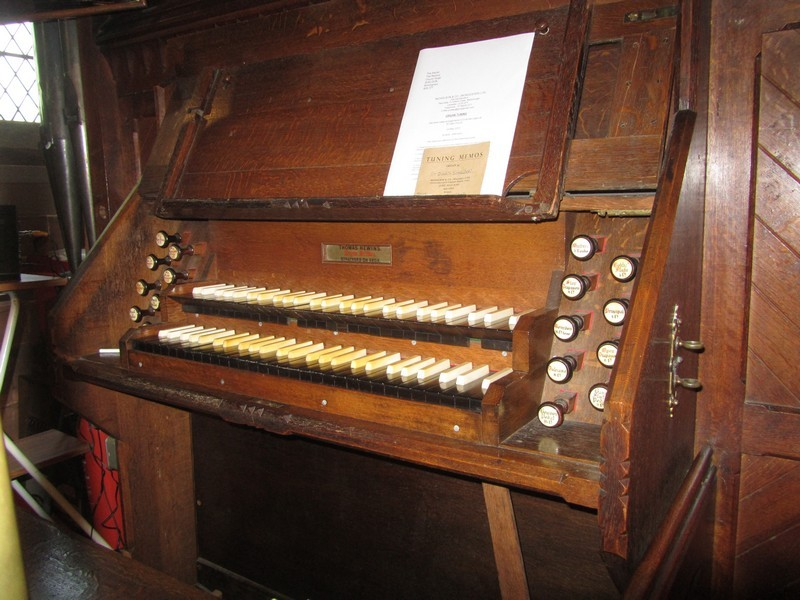 Organ by Thomas Hewins of Stratford-upon-Avon