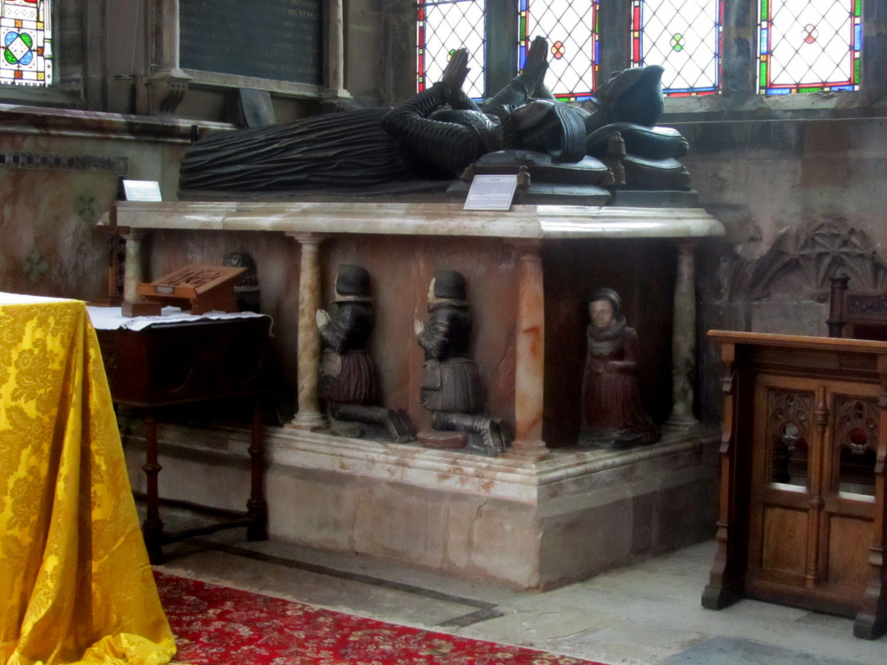 Simon Digby d.1520 and Alice his wife, altar tomb in the chancel