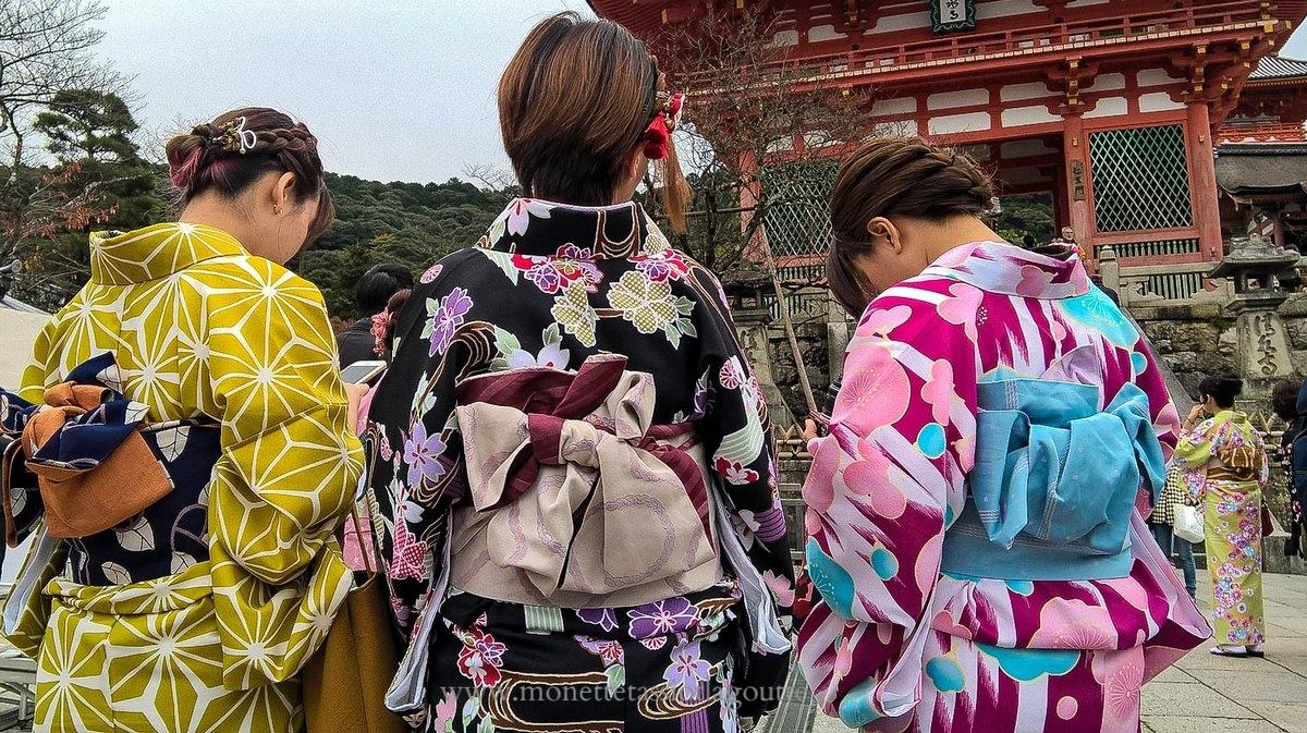 A Kyoto . Kimonos traditionnels