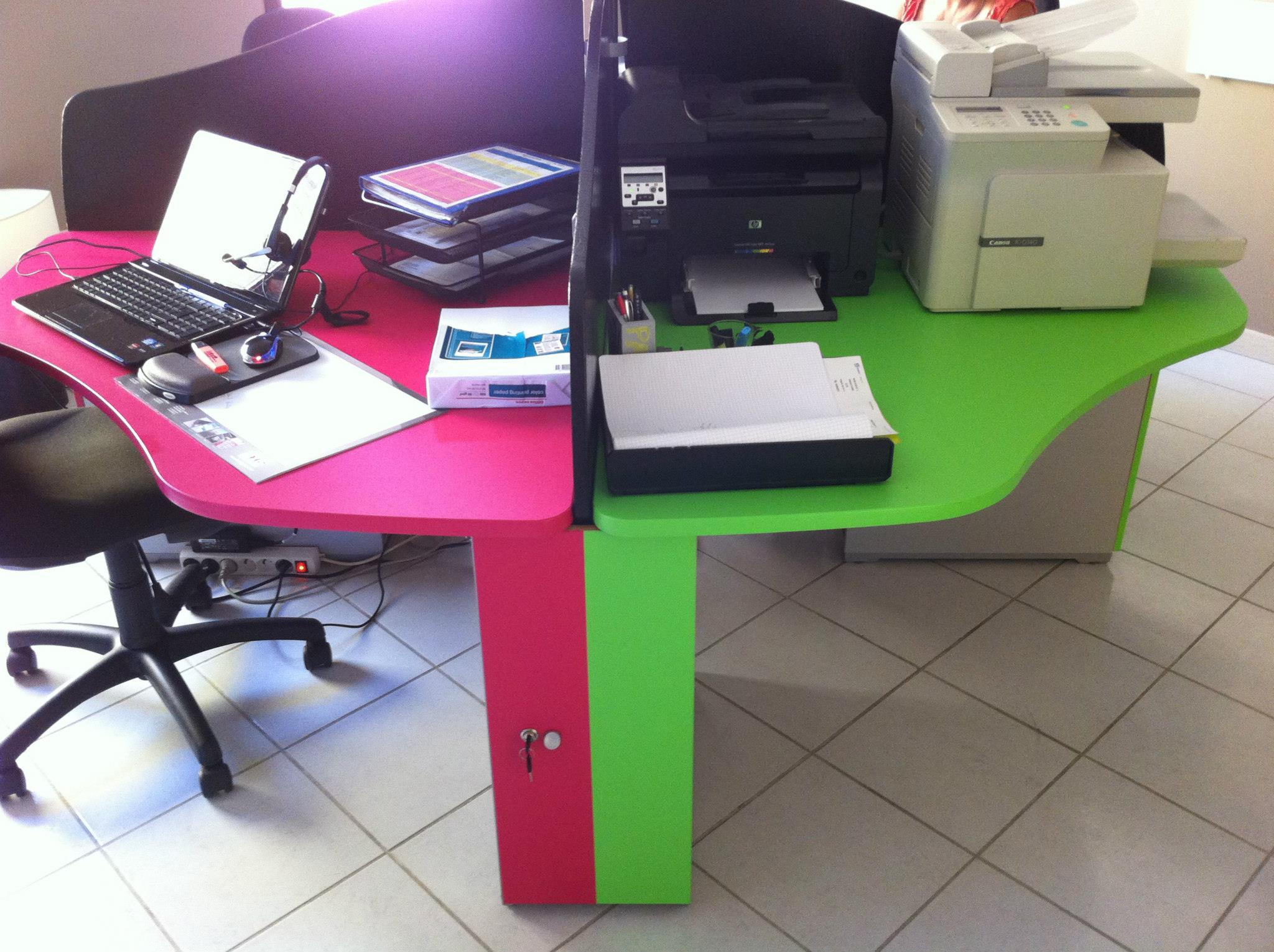 un peu de couleur pour ce bureau en camenbert