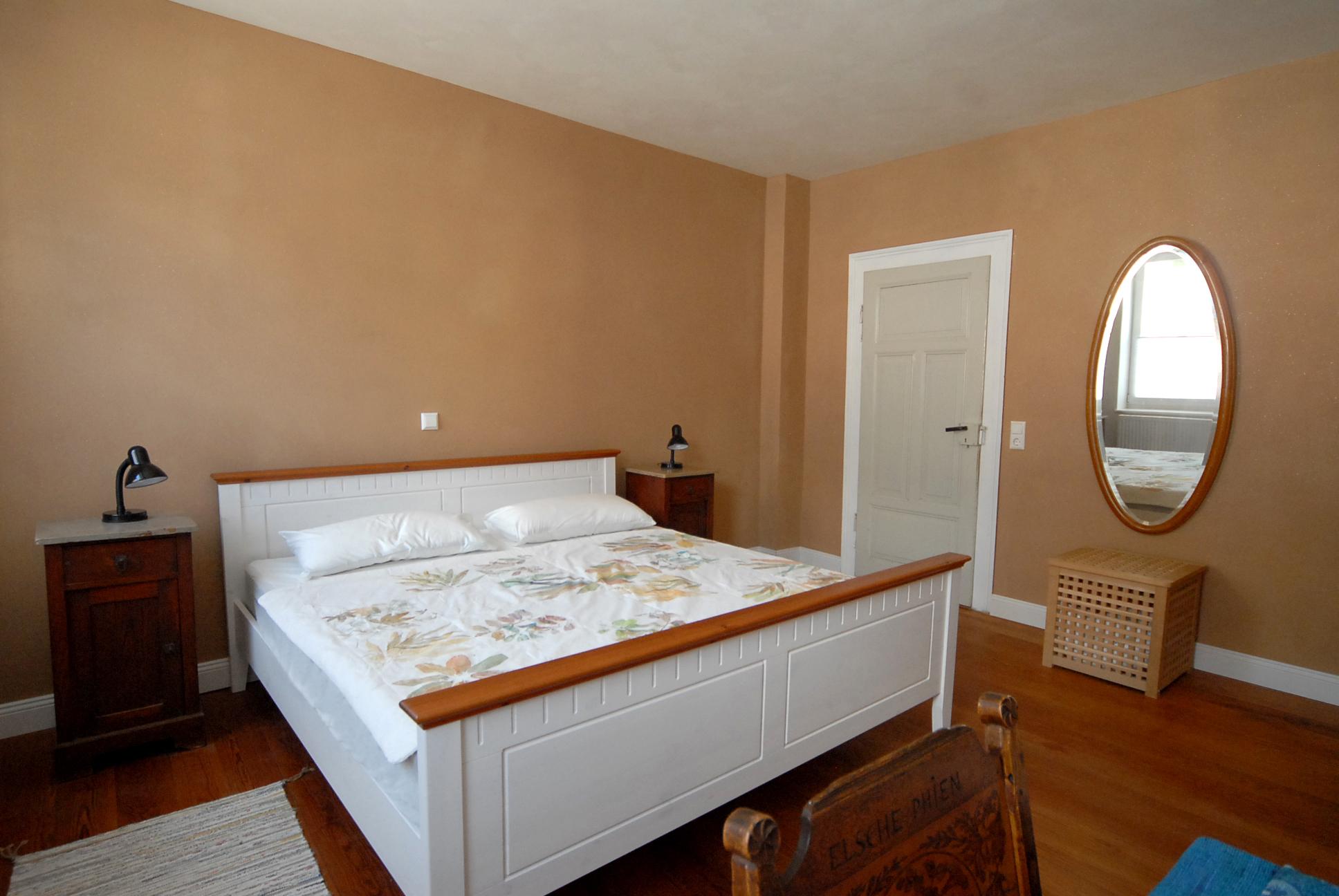 Doppelbett 180 cm breit