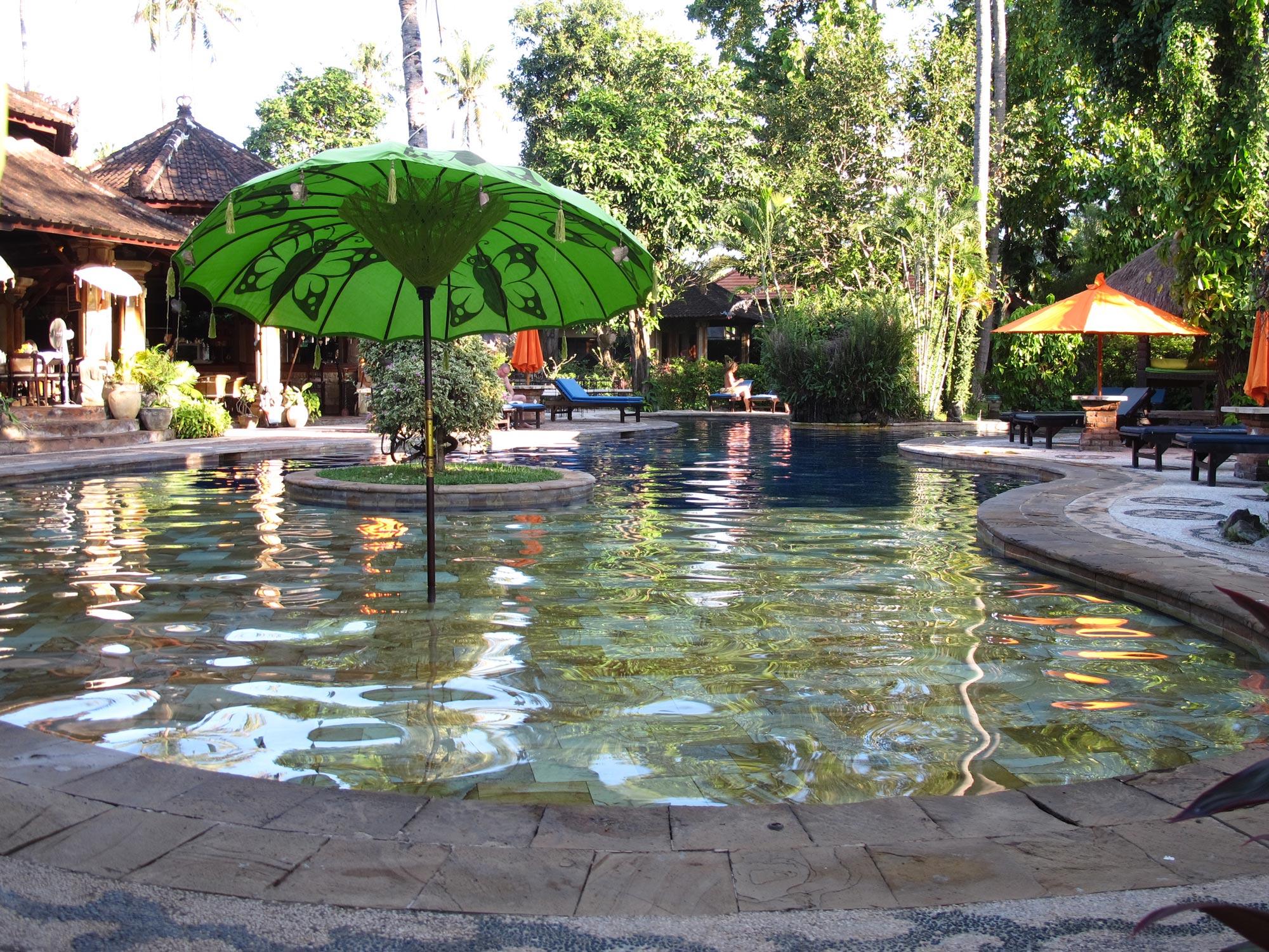 La piscina del Rambutan Hotel a Lovina Bali (Photo by Gabriele Ferrando)
