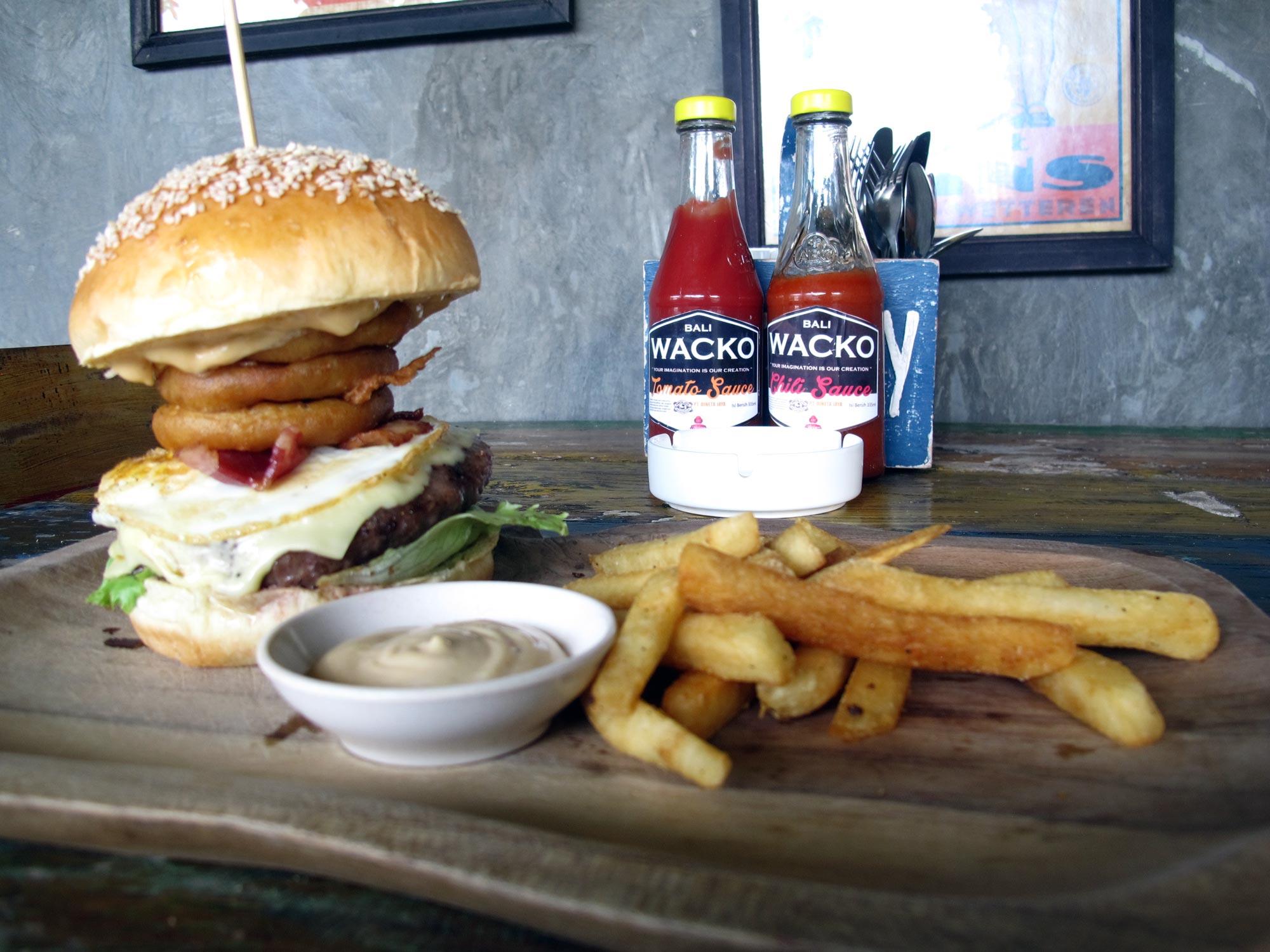 Il buonissimo DOWN UNDER BURGER al Wacko Burger Cafe (Photo by Gabriele Ferrando)