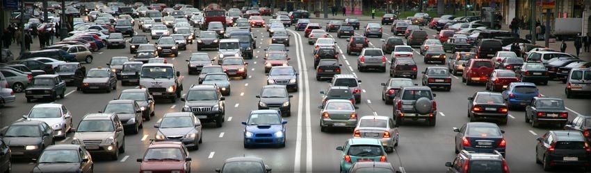 Stau, Stadt-Autobahn, viele Autos