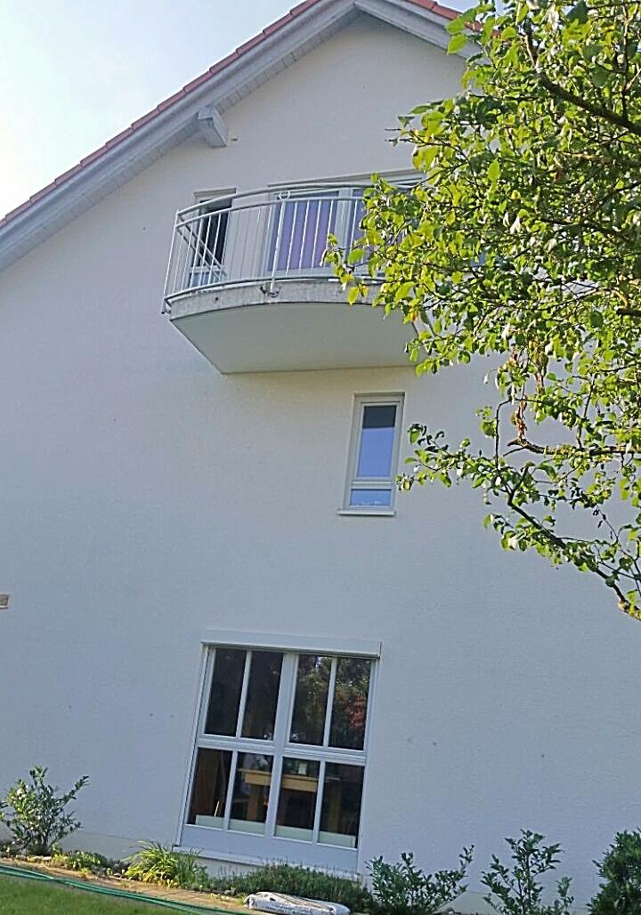 Altbestand Nordseite mit Balkon