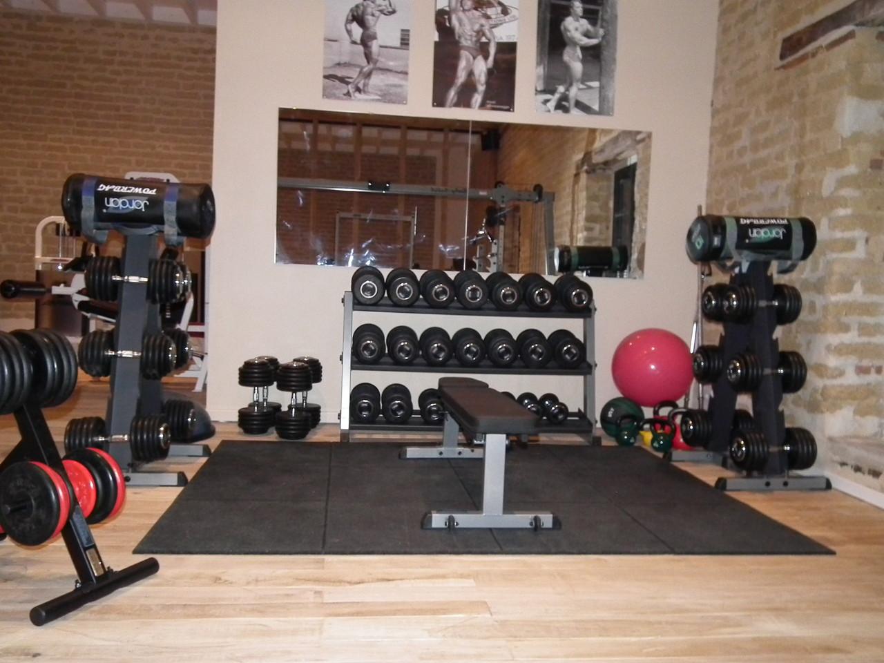 coaching au studio ou en salle de sport bien dans ma peau studio coaching sportif oiry. Black Bedroom Furniture Sets. Home Design Ideas