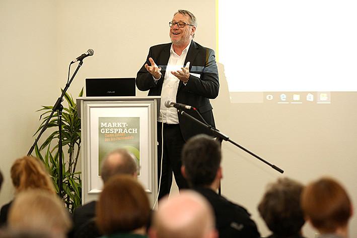 Heinz Kühne (Rheingold Forschungsinstitut) sprach über die Psychologie hinter der Kaufentscheidung bei Kunden