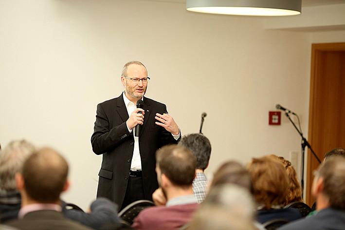 Prof. Hendrik Schröder (Universität Essen) thematisierte die Möglichkeiten des Category Managements im Einzelhandel