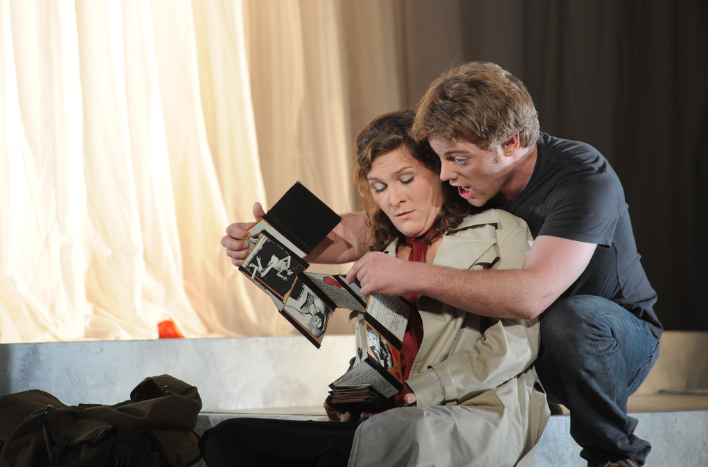 Don Giovanni (Leporello) Zwickau 2010 Foto Peter Awtukowitsch; mit Juliane Schenk (Elvira)