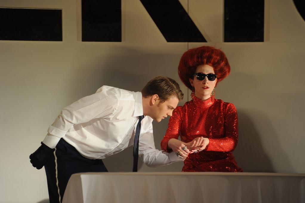 Gustavo III. Un ballo in maschera (Cristiano/ Silvano) Plauen 2011 Foto Peter Awtukowitsch; mit Nathalie Senf (Ulrica)
