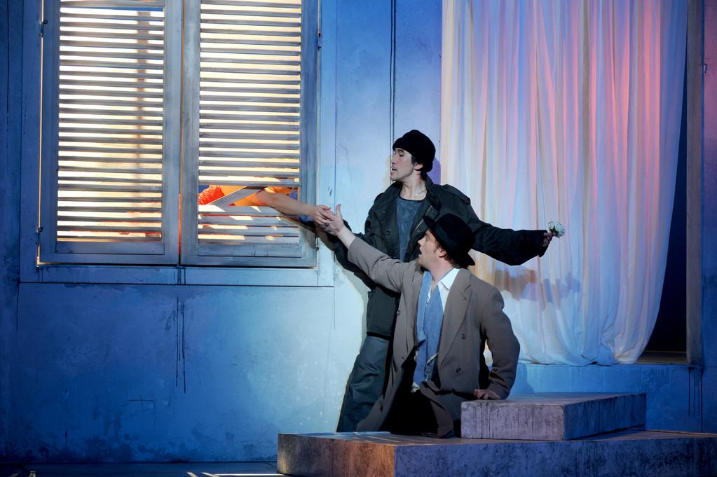 Don Giovanni (Leporello) Zwickau 2010 Foto Peter Awtukowitsch; mit Shin Taniguchi (Giovanni)