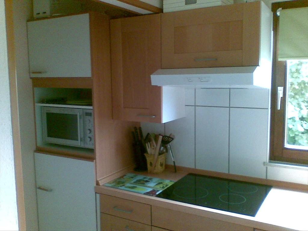Küche auf der linken Seite
