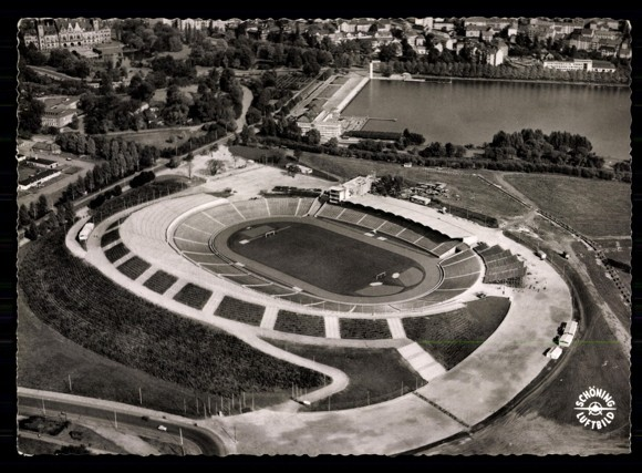 Das Stadion nach der Fertigstellung 1954