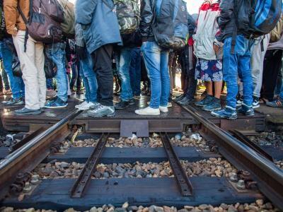 Flüchtlinge am Bahnhof Lehrte, Quelle: Süddeutsche Zeitung