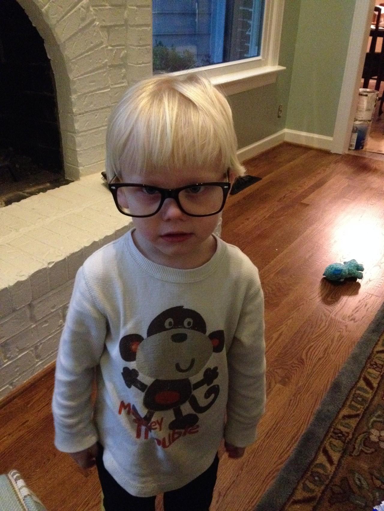 Wer hat meine Brille gekl...ah du hast sie!