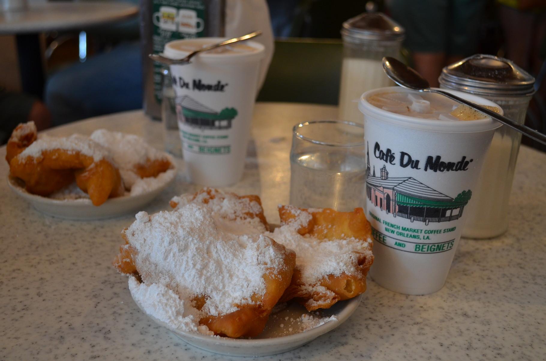 Beignets und Café au Lait