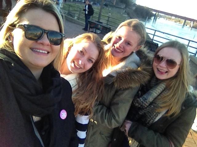 wir vier Mädels