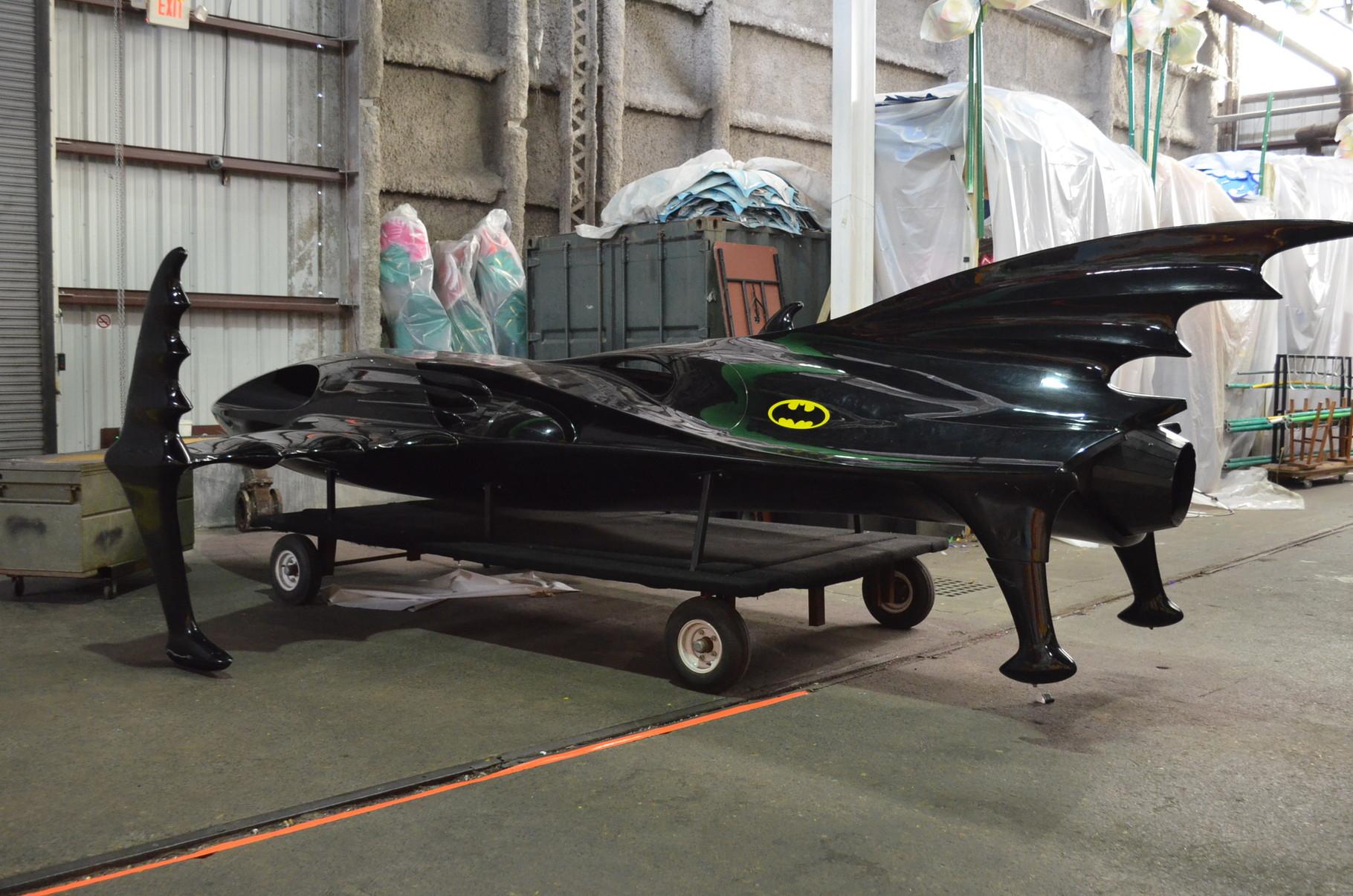 sogar ein Batmobil