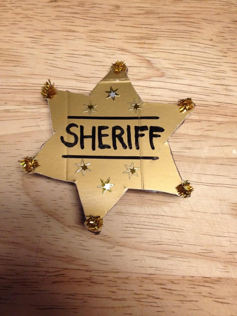 """Sheriffstern gebastelt für den """"Western-Tag"""" in der Schule"""
