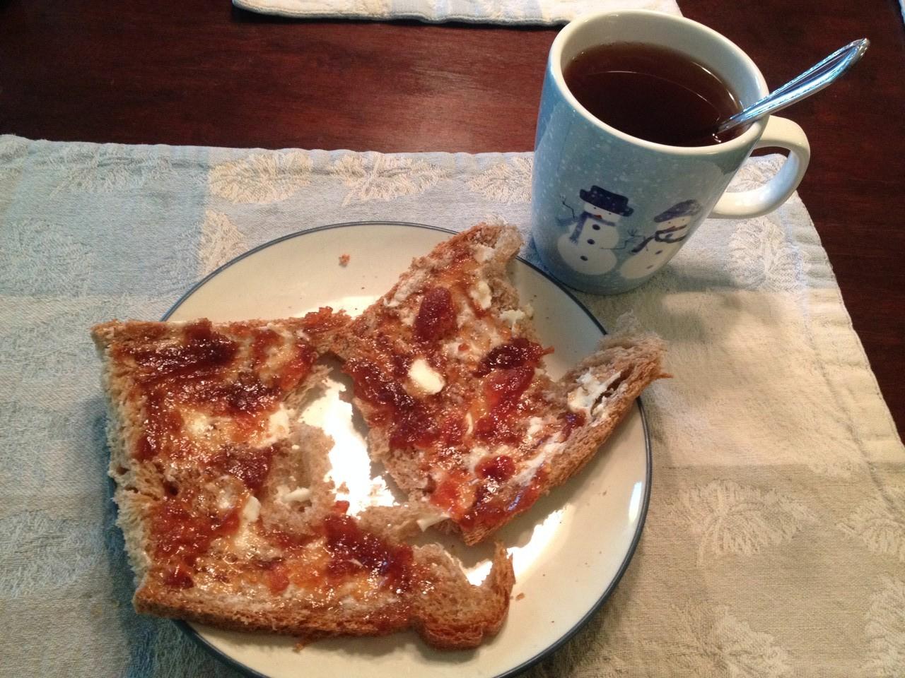 RICHTIGES Brot mit Marmelade zum Frühstück