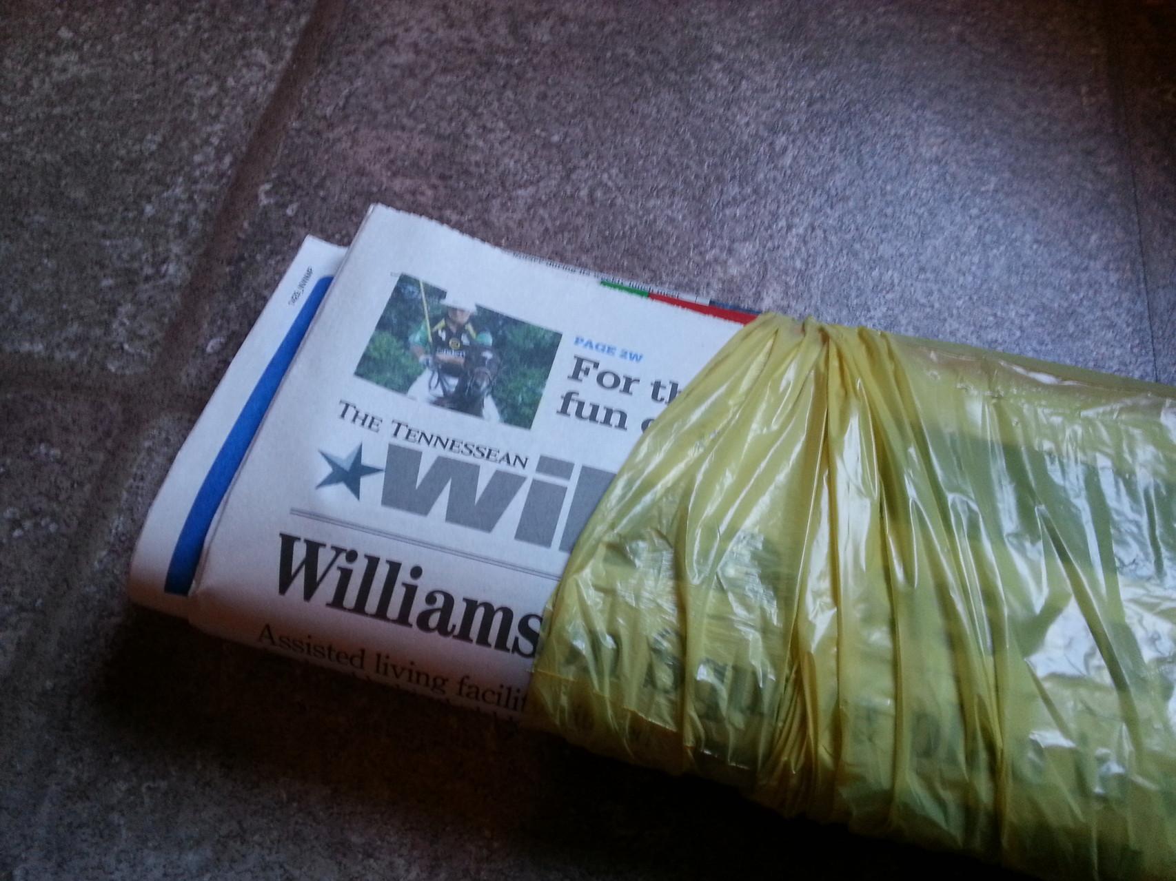 Zeitung kommt in der Tüte