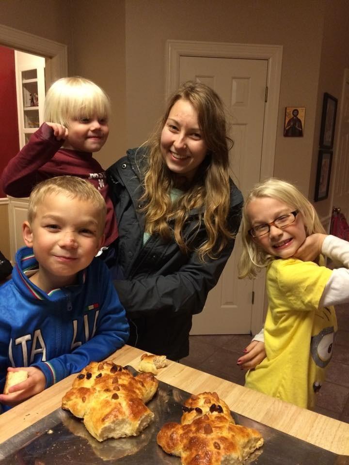 Kids und ich mit meinen selbst gebackenen Martinsmännern