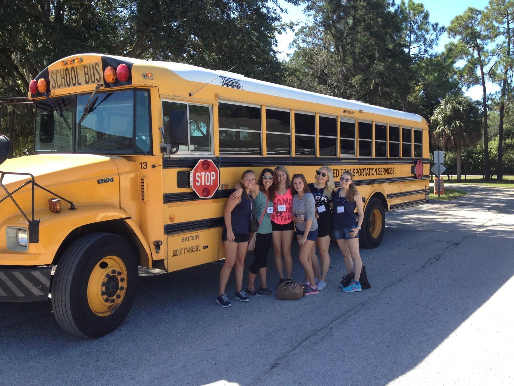 Endlich ein Bild vor einem gelben Schulbus!
