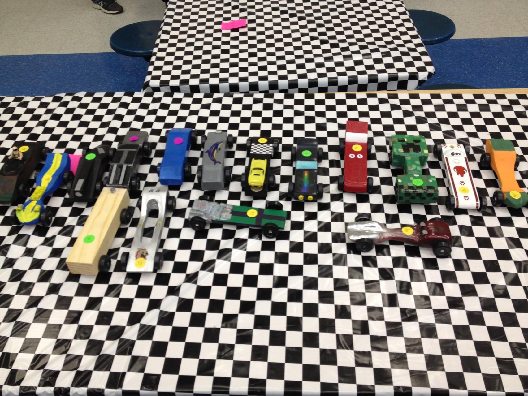 ein paar der Derby Cars
