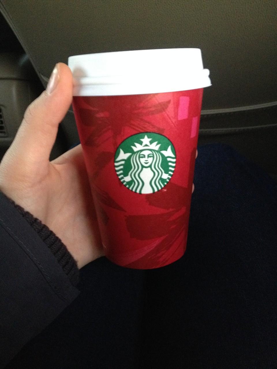 bei Starbucks gibt es jetzt die Weihnachtsbecher!
