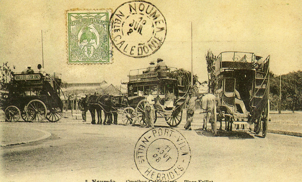 Nouméa : omnibus sur la place Feillet