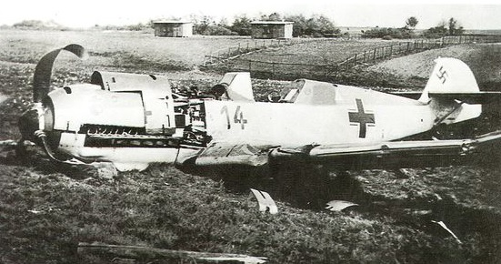 BF109, shot down at De Klomp (Ede) in May 1940.