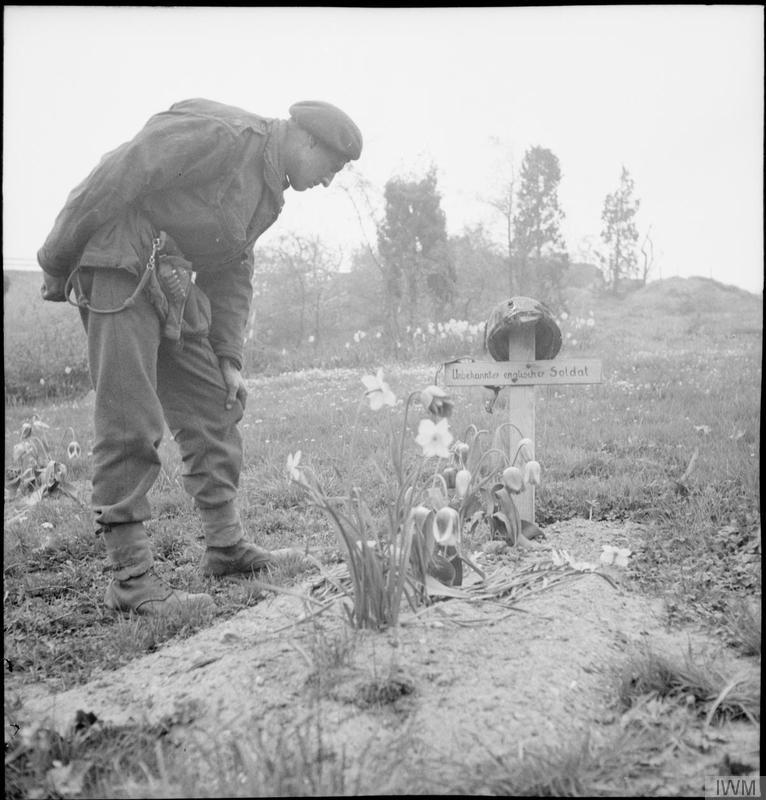 Grave of a British soldier near Arnhem Road Bridge.