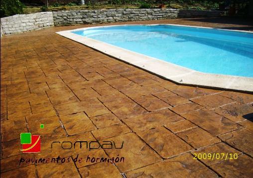 Pavimentos de hormigon impreso para piscinas Madrid