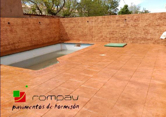 Hormigon impreso para piscinas awesome suelo de hormign - Hormigon impreso vertical ...