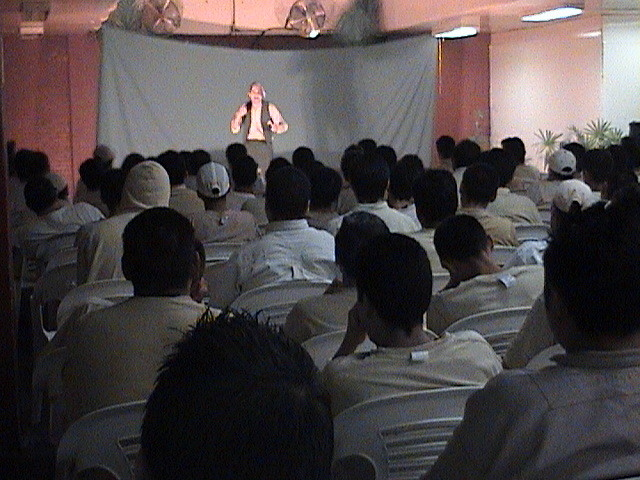 Pascal K'in spielt das Tagebuch eines Verrückten im Ostgefängnis von Mexiko Stadt / acting the Diary of a Madman at the Eastern prison of Mexico City