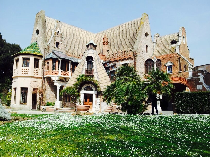 Das Eulenhäuschen in der Villa Torlonia