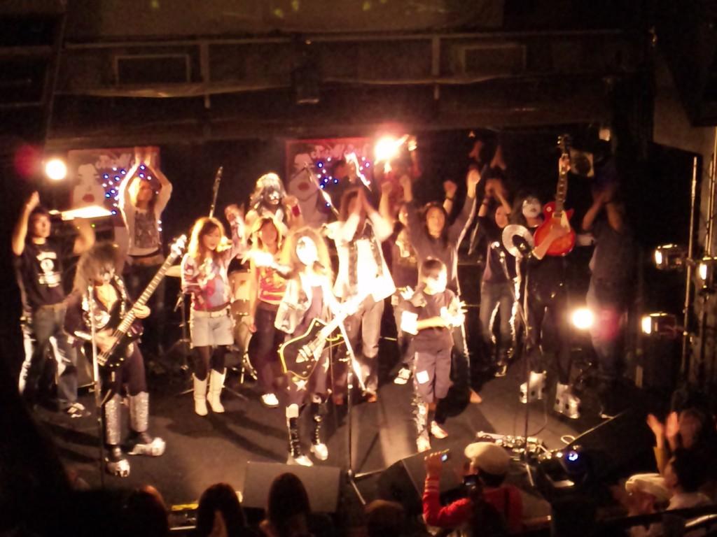 最後は出演バンド全員で「Rock'n roll all night」の大合唱